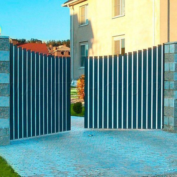 Вариант монтажа распашных ворот с открыванием во двор